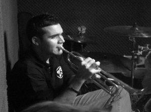 Raúl cano - Voz y trompeta