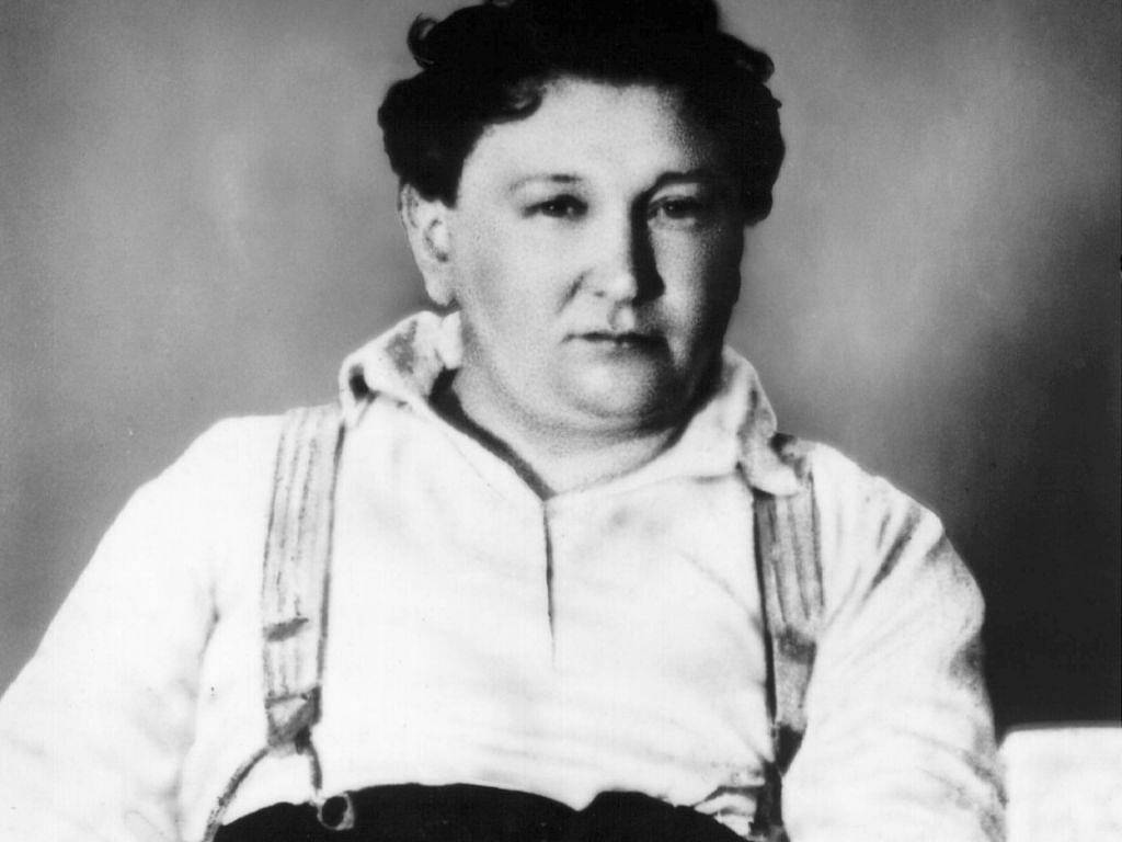 Jaroslav Hašek, el reverso burlón de Kafka.