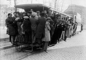 3-Avenida de la República 1934 _ Imagen de un _convoy_ tranvia… _ Flickr_files