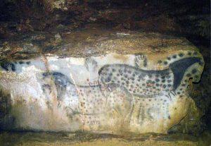 Friso de los caballos en la cueva de Pech Merle en Cabrerets, Lot