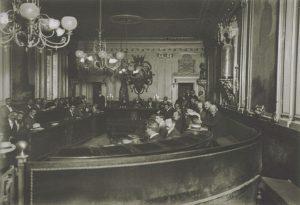 1912 - Imagen del salón de plenos del Ayu…