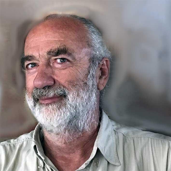 Carlos Azcona, nuestro cronista de ultramar, de Azul (provincia de Buenos Aires)