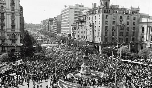 Zaragoza te habla – Las Plazas de España