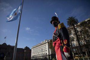ANIVERSARIO DE LA REVOLUCION DE MAYO, ARGENTINA.JPG_large