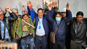 la democracia regresa a Bolivia